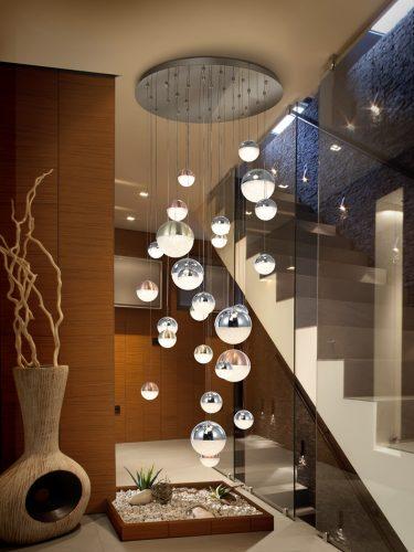 793960-lampara-grande-led-escalera-diseno-spehere-schuller-electricidad-aranda-lamparas-almeria
