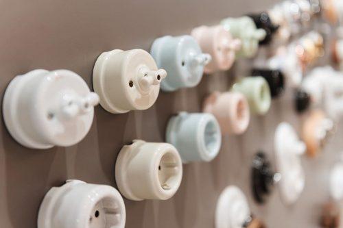 llave-luz-mecanismo-fontini-ceramica-comprar-electricidad-aranda-lamparas-almeria-