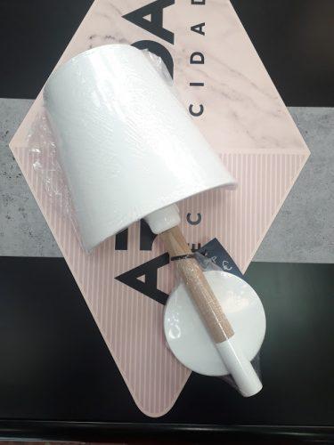 aplique-mesita-pared-madera-scandi-blanco-con-interruptor-anperbar-electricidad-aranda-