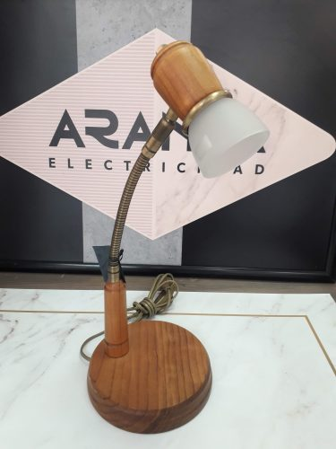 flexo-sobremesa-madera-irvalamp-en-electricidad-aranda-lamparas-almeria-