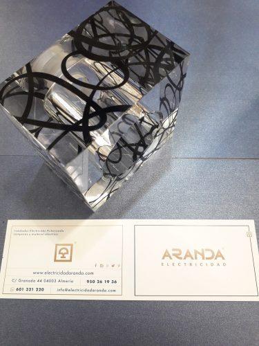 tulipa-cristal-g9-para-lampara-cubo-dibujo-negro-electricidad-aranda-lamparas-almeria-