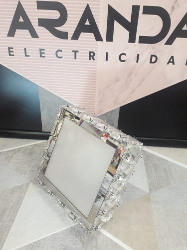 plafon-led-cuadrado-pared
