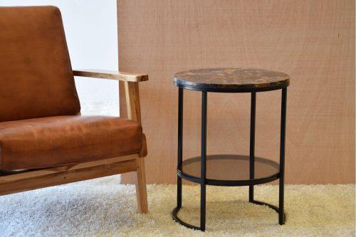 mesa-auxiliar-metal-marmol-y-vidrio-vp-interiorismo-tapa-marmol