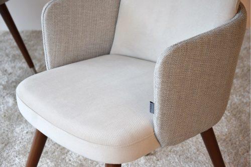 set-2-sillas-vp-interiorismo-comedor-con-brazos-beige
