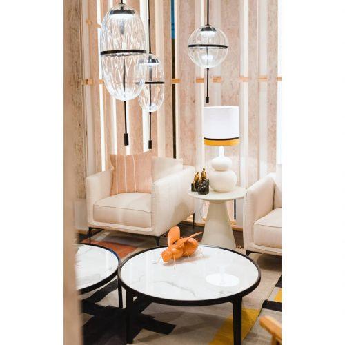 sobremesa-mostaza-alta-vp-interiorismo-electricidad-aranda-lamparas-almeria-
